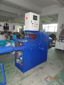 2016 Cloth Hanger Making Machine (Welding type) pictures & photos