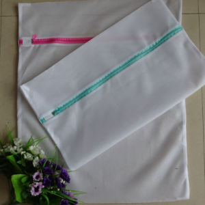 Custom Zipper Closure/Drawstring Mesh Laundry Bag pictures & photos
