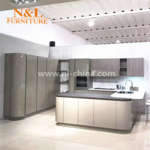 Wooden Kitchen Cabinet High Gloss Kitchen Furniture Anti-Scratch Kitchen Cabinets pictures & photos