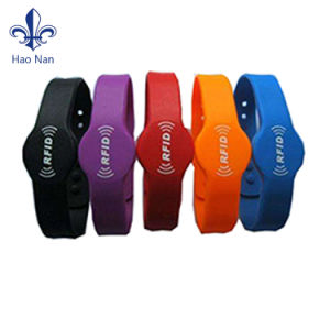 2017 Factory Selling Silicone Wristband with Custom pictures & photos