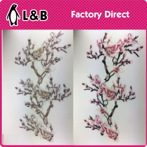 New Design Popular Embroidery Sew on/Iron on Flower Patch pictures & photos