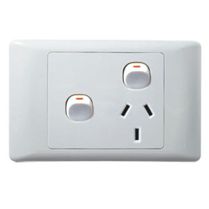 Ee-C214 Australia Style 2 Gang+1 Socket Wall Switch pictures & photos
