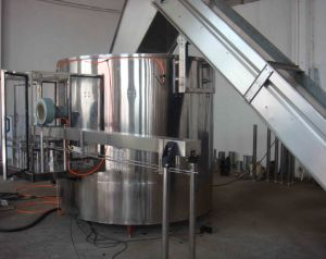 Pet Bottle Unscrambler Machine for Beverage Production Line pictures & photos