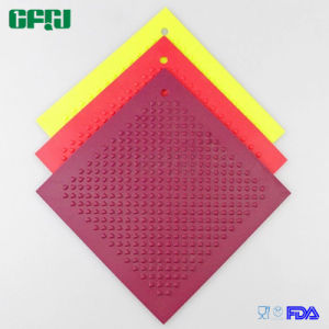 Diamond Pattern Square Shaped Non-Skid Silicone Mat Placemat Potholder pictures & photos
