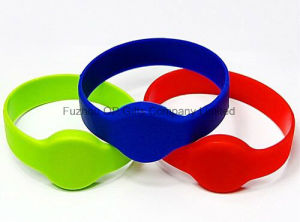 Customized Silicon RFID Tag/RFID Wristband pictures & photos