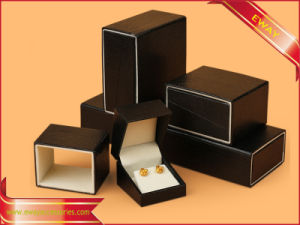 Black Jewelry Box Ring Box Gift Packing Paper Box pictures & photos