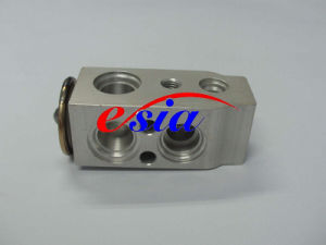 Auto AC Evaporator Expansion Valve for Toyota Crown 2930y pictures & photos