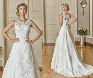 Soft and Flowing Boat Neck Wedding Gown pictures & photos