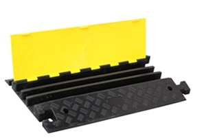 Rubber Cable Speed Hump, Speed Humps in Dubai UAE pictures & photos