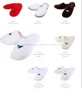 Hotel Slipper with Embroideried Customized Logo pictures & photos