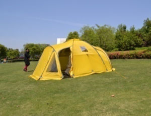 Double Layer Waterproof Camping Family Tent (EFT-013) pictures & photos