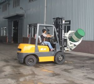 2000kg Clamp Forklift /Gasoline Forklift pictures & photos