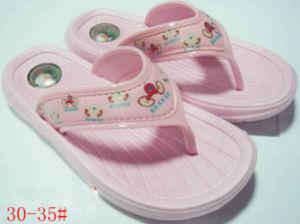 OEM New Design Children EVA Flip-Flops pictures & photos