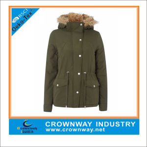 Women′s Parka with Fur on The Hood with Padding pictures & photos