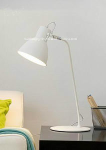 Nortic-Style Modern Table Lamp/Office Simple LED Desk Lamp pictures & photos