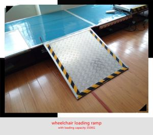 Manual Aluminum Wheelchair Loading Ramp for Wheelchair to Get Into Bus pictures & photos