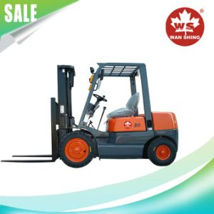 3.0 Ton/3000kg Diesel Forklift Truck with Chinese or Japanese Engine pictures & photos