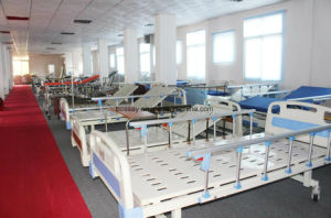 Ce/ISO Medical Flat Hospital Bed pictures & photos