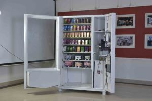 Large Screen Packed Jeans Vending Machine with Bill Changer pictures & photos
