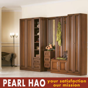 2017 Antique Solid Wood Customized Bedroom Wardrobe pictures & photos