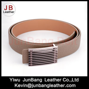 2017 Fashion Men Genuine Leather Belts in High Quality pictures & photos