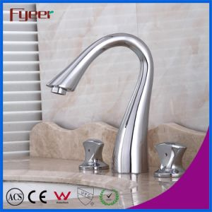 Fyeer Deck Mounted Solid Brass 8 Inch Widespread Bathroom Faucet pictures & photos