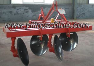 Farm Tractor with Ridger Plough pictures & photos