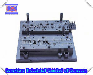 2014 New Design Cheap Plastic Injection Mould pictures & photos