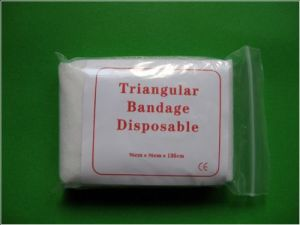Cotton or Non Woven Medical Triangular Bandage (SC-TB001) pictures & photos
