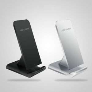 Hot Sale Wireless Portable Charger for iPhone/iPod pictures & photos