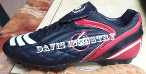 New Design Good Selling Football Shoes with Good Price pictures & photos