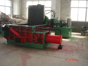 Hydraulic Scrap Metal Baler/Ferrouse Packing Machine Yd2000 pictures & photos