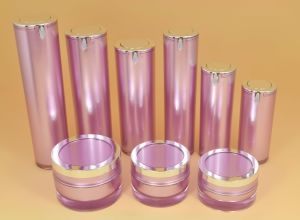 High Quality Acrylic Pump Cosmetic Lotion Bottle pictures & photos