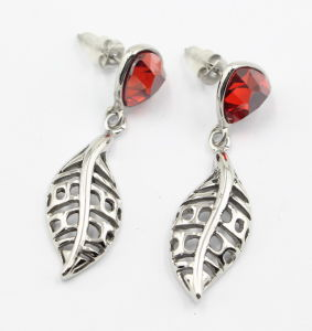 High Quality Stainless Steel Leaf Earrings with Stones pictures & photos
