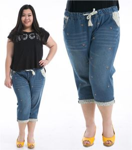 P1168 Ladies Plus Size Loose Capris Jeans with Sashes pictures & photos