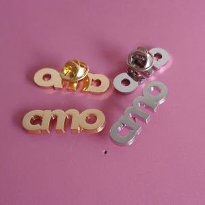Custom Letters Design Pin Badge Gold and Silver Plating Brooch pictures & photos