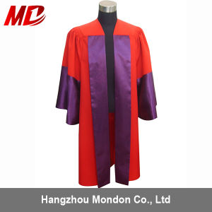Customized Graduation Gown/UK Bachelor Graduation Gown with Front Banner pictures & photos