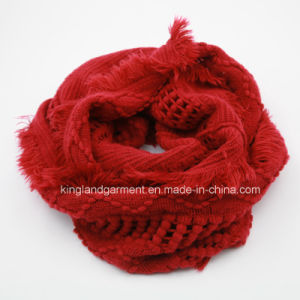 Acrylic Fashion Warm Red & White Knitted Neck Scarf pictures & photos