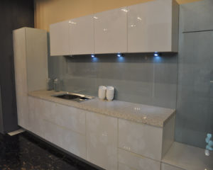 High Gloss Top Quality Modern Kitchen Cupboard Price (flat packing) pictures & photos