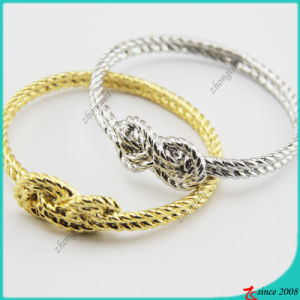 Gold/Silver Alloy Charms Bracelet for Girl Jewelry pictures & photos