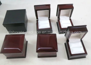 Luxury Wooden Wedding Gift Ring Box pictures & photos