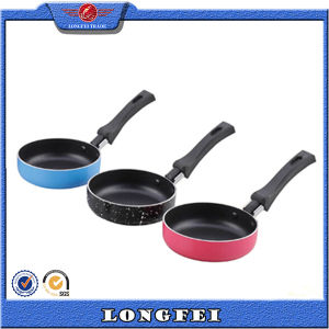 Hot Sale Aluminum Small Size Egg Fry Pan pictures & photos