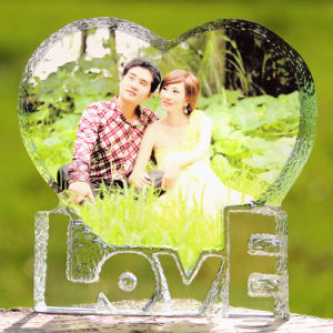 Personalized Heart-Shaped Crystal Color Printing Wedding Favor Craft Decoration pictures & photos