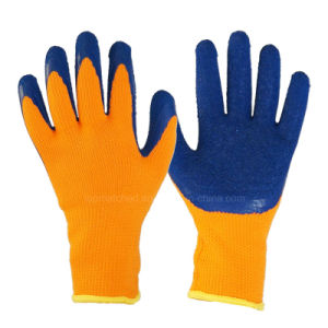 Fleece Liner Crinkle Latex Coated Palm Safety Gloves pictures & photos