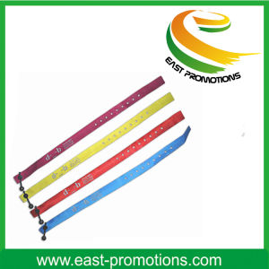 Factory Price Custom Festival Fabric Woven Wristband pictures & photos