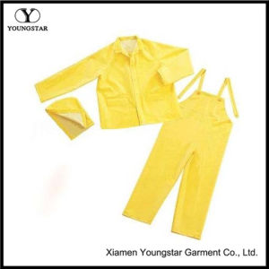 Durable Waterproof PVC / Polyester Rainsuit pictures & photos
