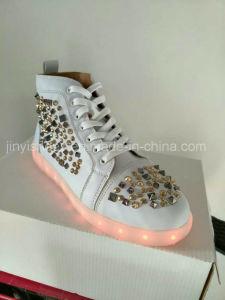 2016hot Sale Casual LED Shoes Rivet Breathable Woman Shoes Light Lace up pictures & photos