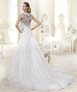 Special Nice Lace A-Line Dress Wedding with Court Train pictures & photos