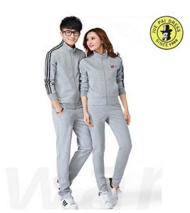 2017 Fashion Men and Women Brand Sport Suits pictures & photos