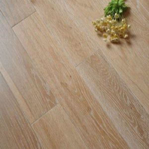 Household/Commercial Engineered Oak Wood Flooring with Smoked&White Oil pictures & photos